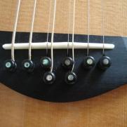 Je hebt ook gitaren met 8 snaren